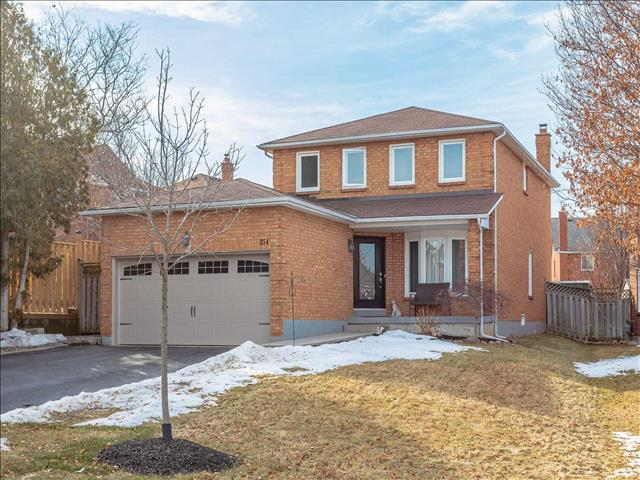 354 Waterside Cres