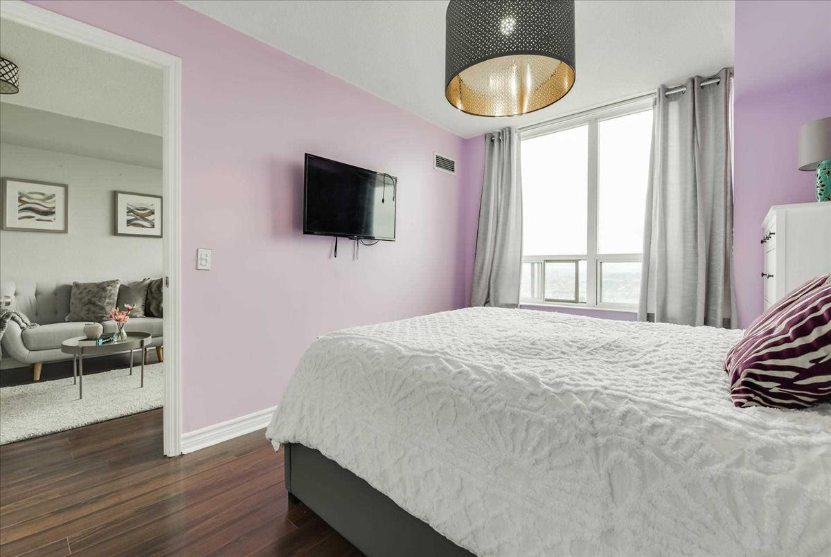 55 Strathaven Dr Mississauga Smart Choice Team